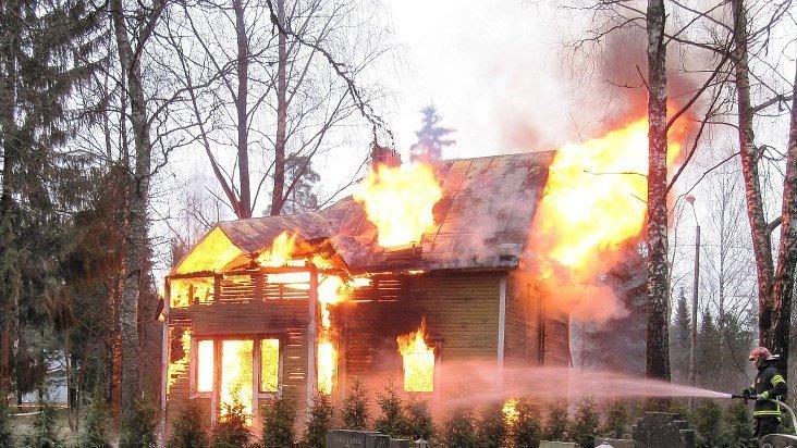 Case in Legno ed Incendi: Sfatiamo un Luogo Comune