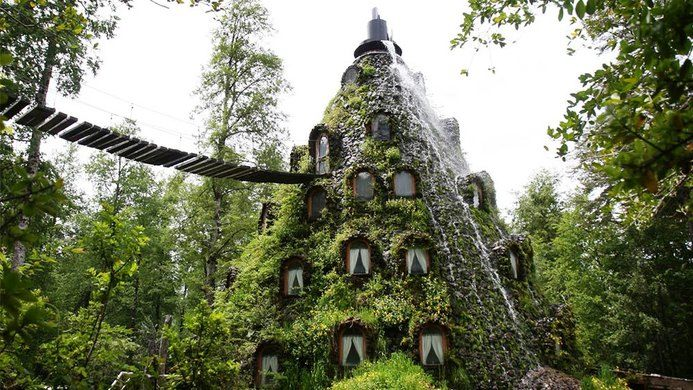 Hotel in legno e pietra: Montana Magica Lodge. Ecoturismo in Patagonia