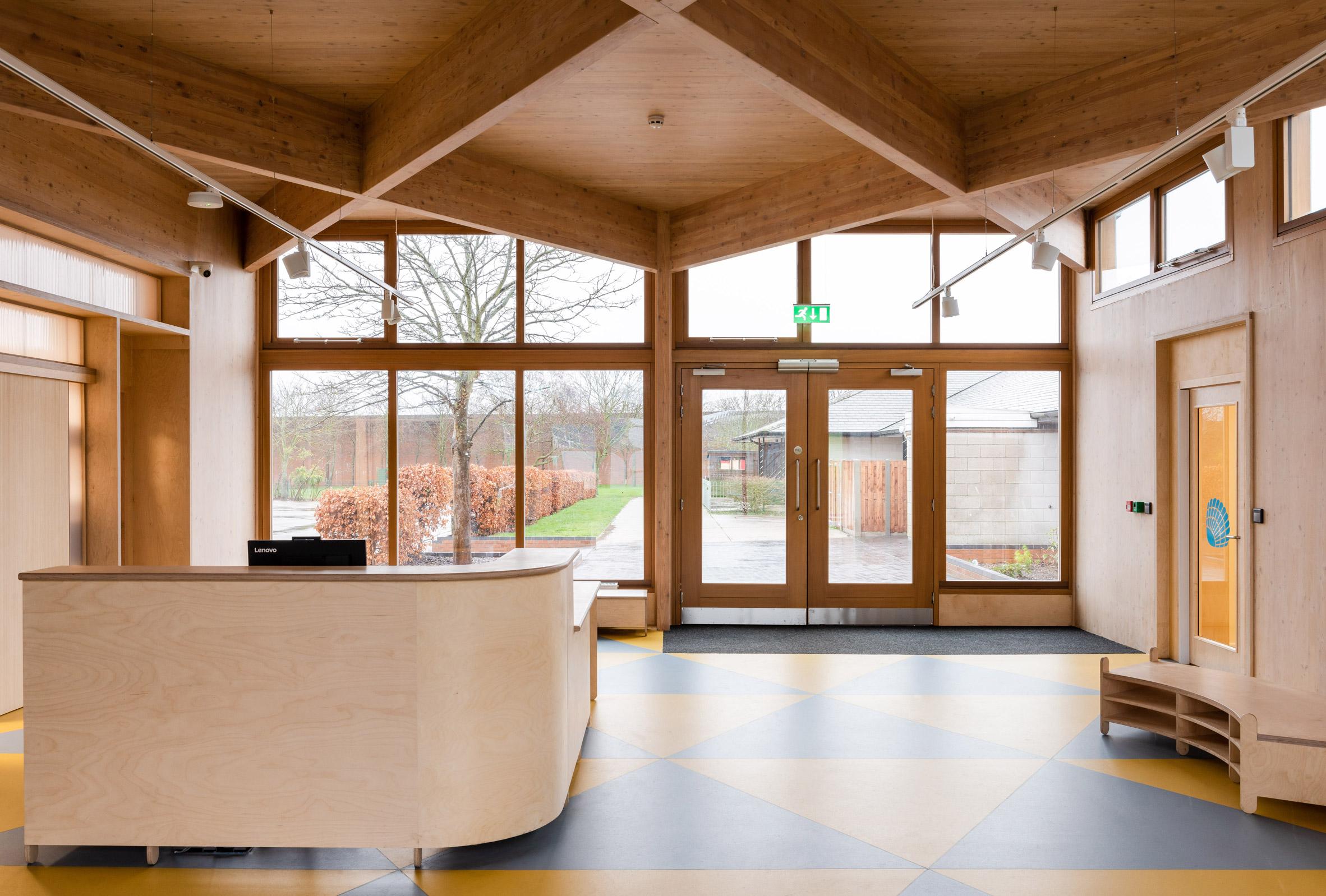Norfolk: ecco il padiglione in legno che unisce due scuole